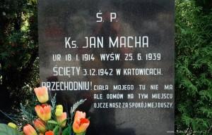Nagrobek - ks. Jan Macha