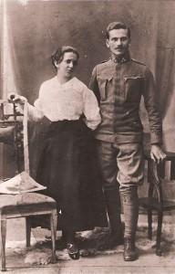 Karol Dydo z żoną w mundurze żołnierza austriackiego z okresu pierwszej wojny światowej