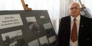 Marek Księżarczyk, autor wystawy w Szkole Podstawowej w Brzezince